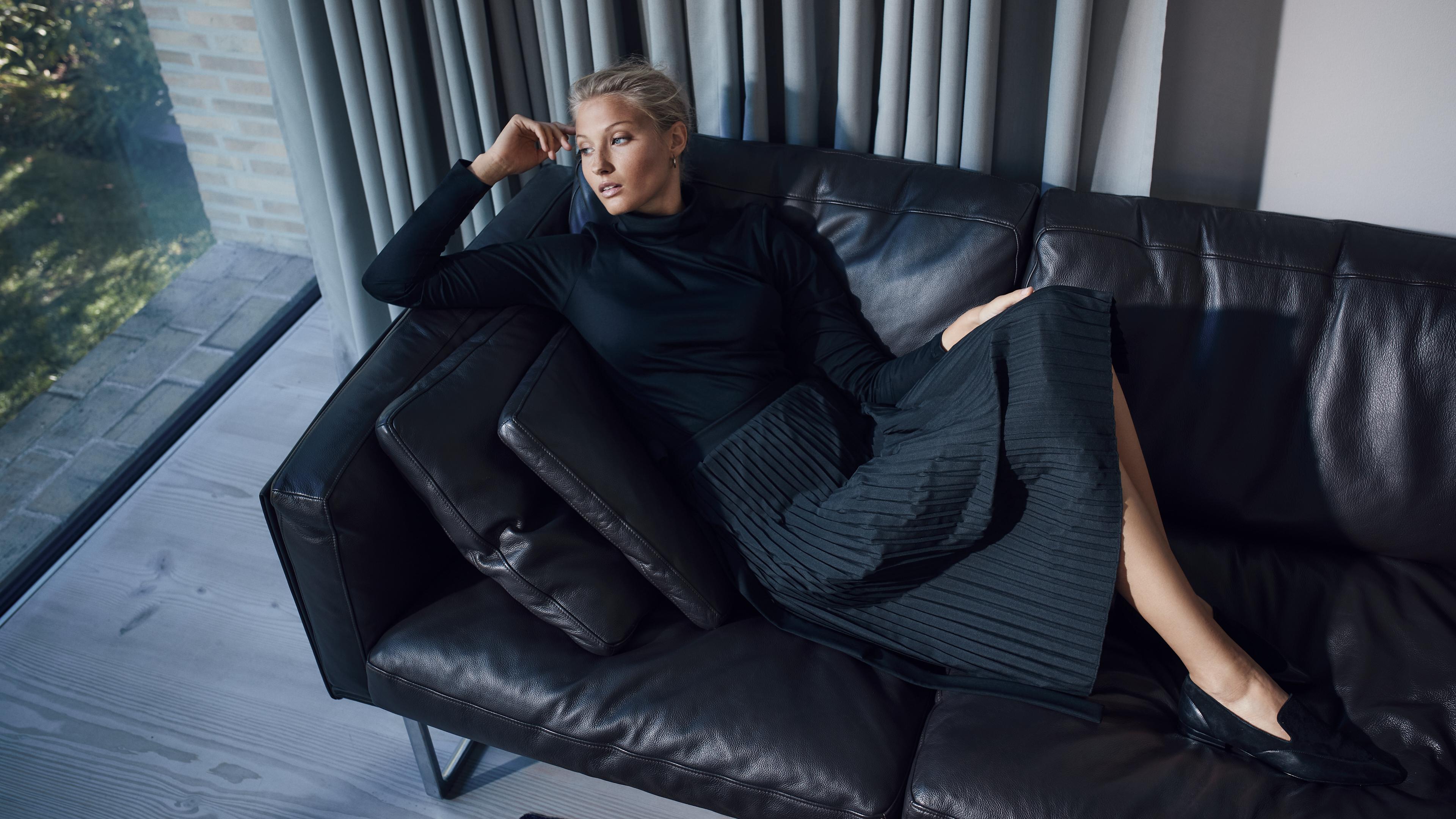 bernd-westphal-stillstars-vanlaack-women-auttum-winter-2020-fashion-still-life-photography-006 16X9